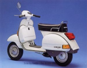 Vespa PX200E, 198 cc 2-stroke, 12 hp, kick starting.