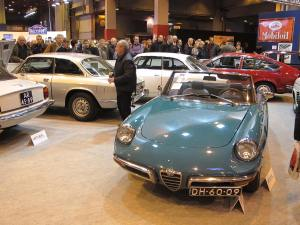 Στιγμιότυπο από την περιοχή της δημοπρασίας της Artcurial με τη συλλογή των Alfa Romeo.