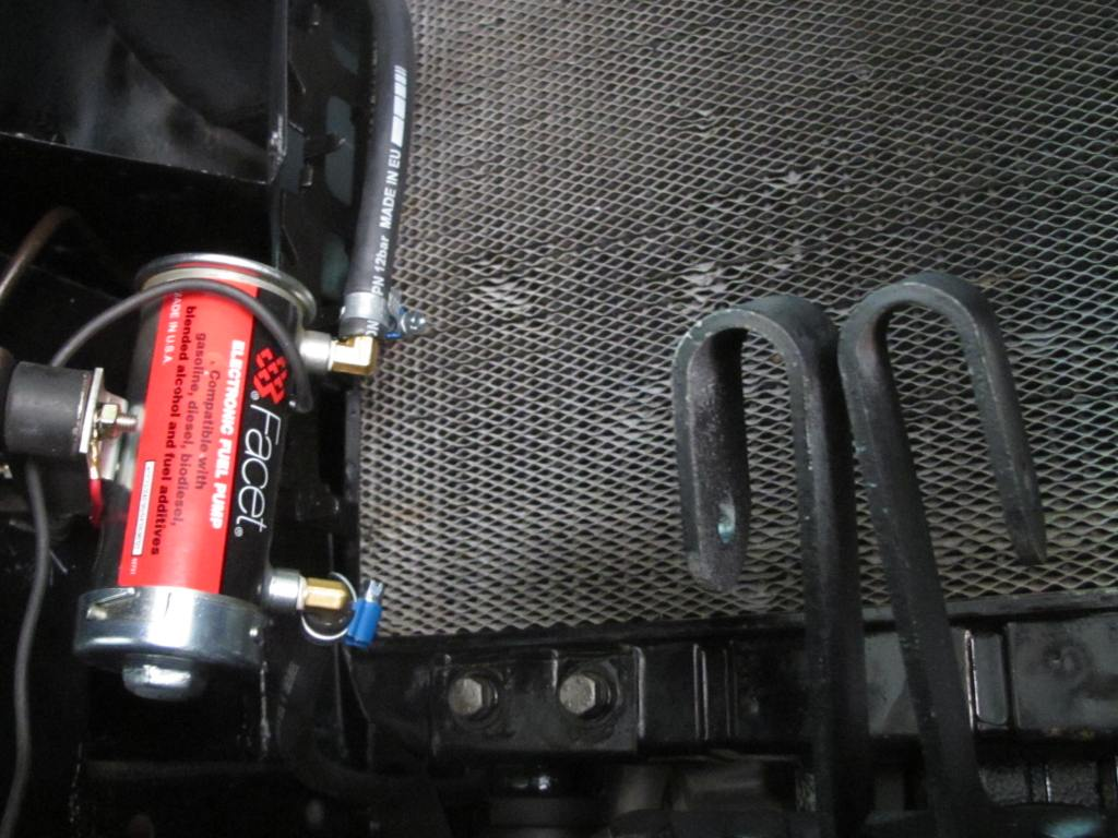 A top quality Facet electric fuel pump was fitted (in addition to the original mechanical one) to facilitate starting of the engine.
