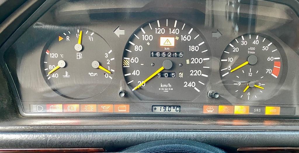 Το καντράν της W124C